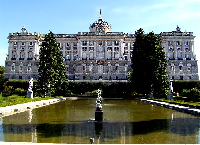Madrid-in-Spain_Palacio-Real_2342