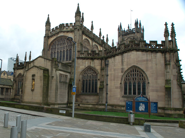 Manchester-Cathedral-Building-in-England