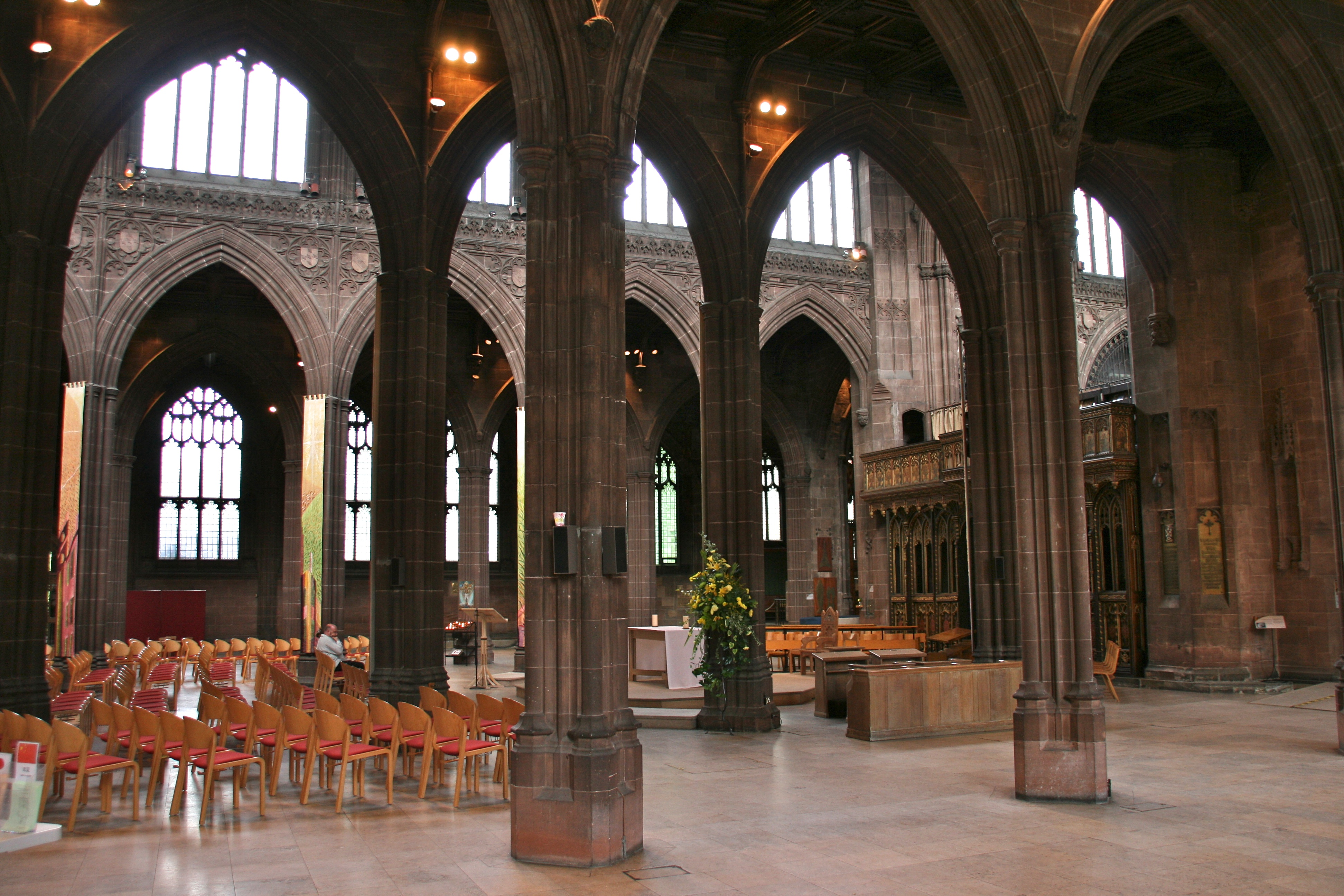 Manchester_Cathedral_-_inside