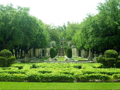 villa-vizcaya-gardens-miami-photo-cc