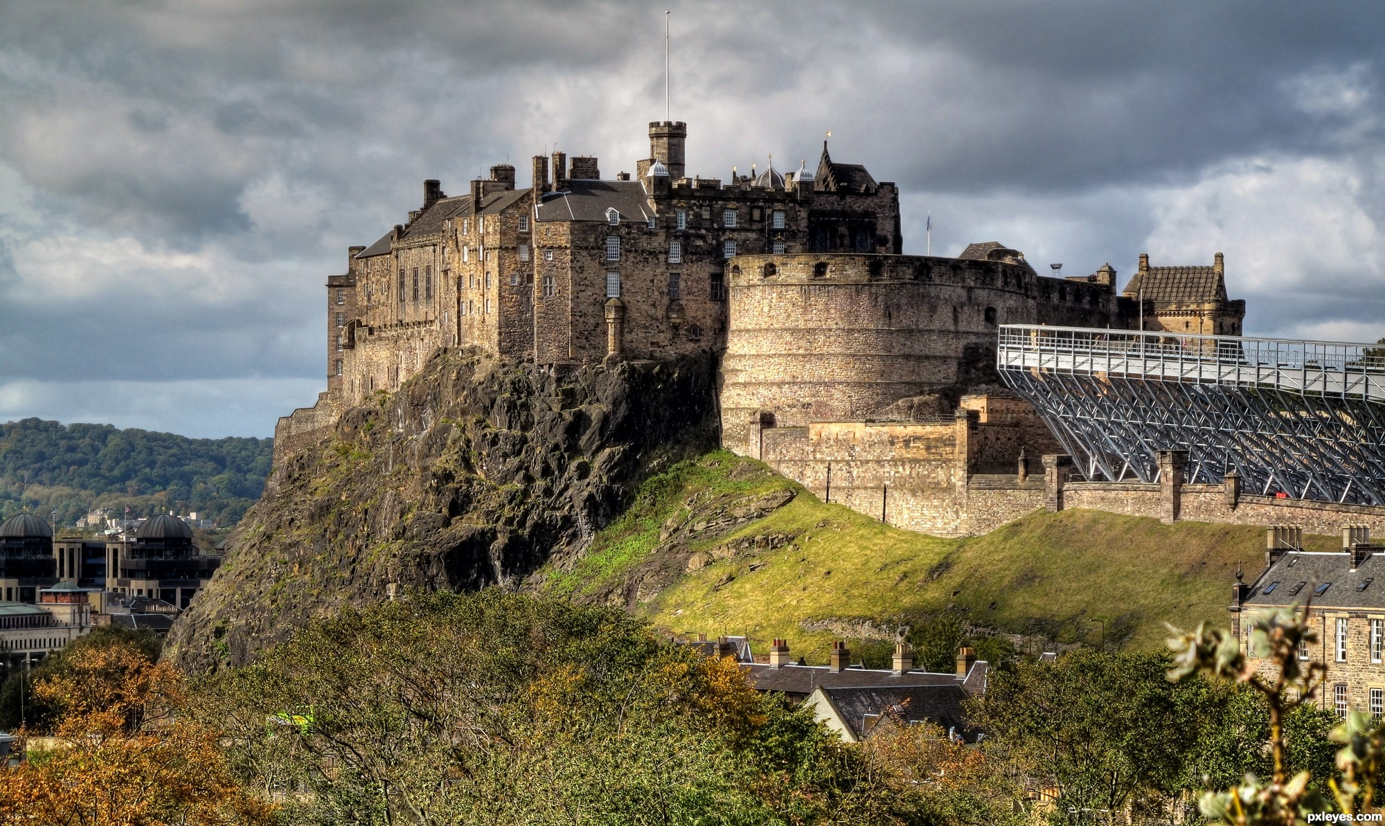 Edinburgh-Castle-4f0c8c84c265e_hires