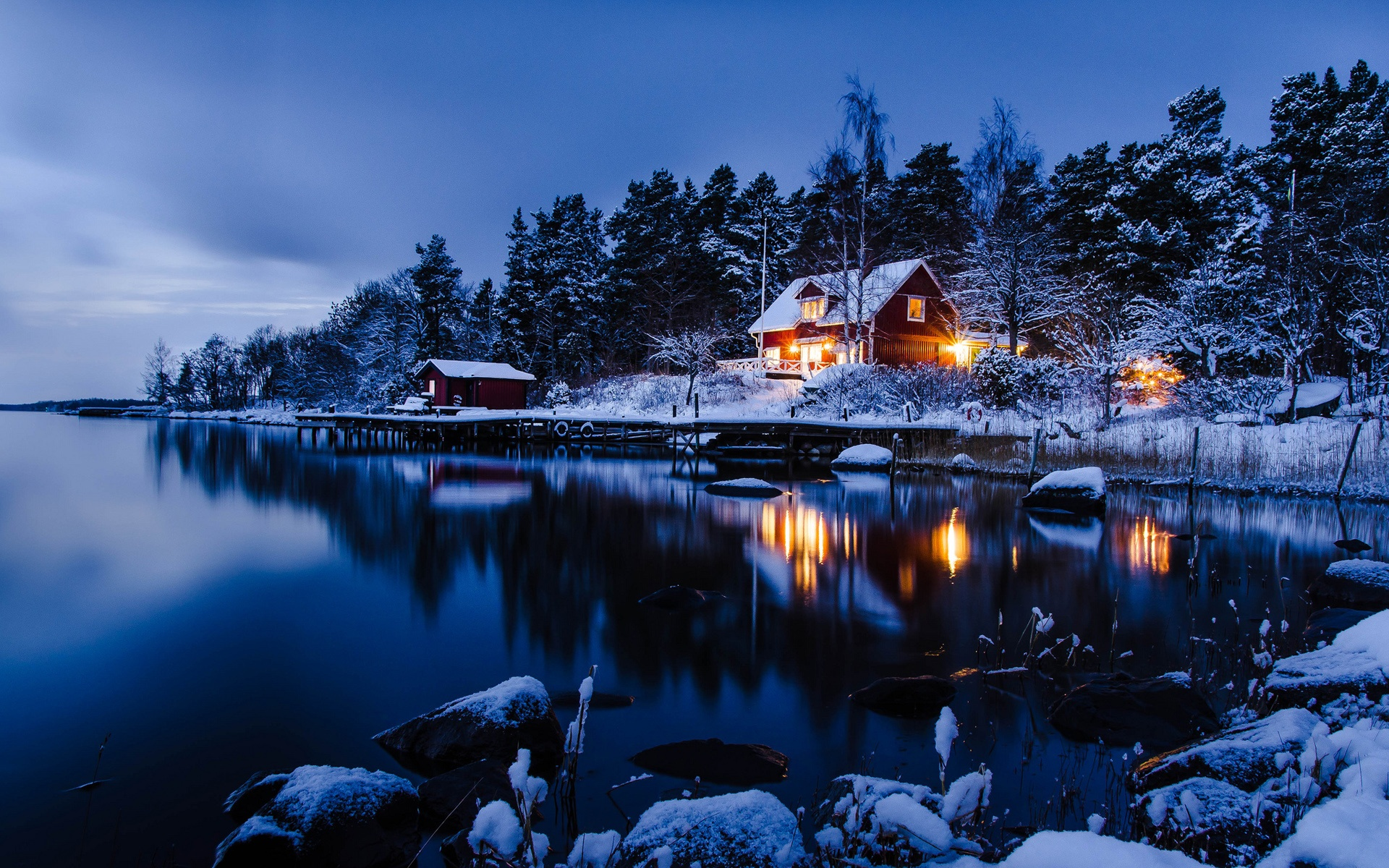 Sweden-winter-landscape-of-snow-houses-lake-woods-blue-style_1920x1200