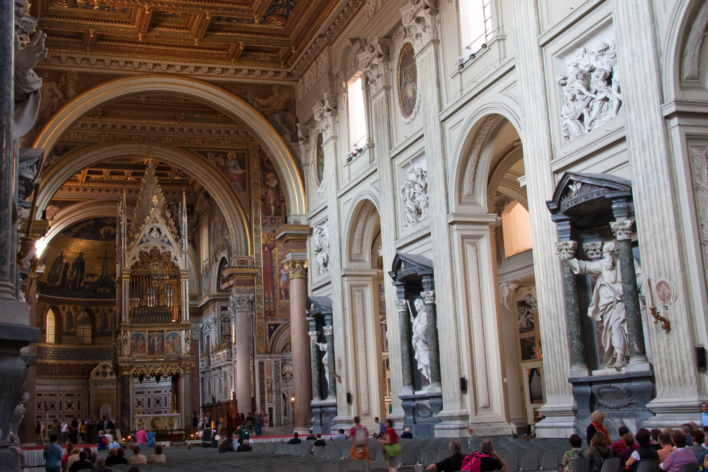 San_Giovanni_in_Laterano_-_Interior_2