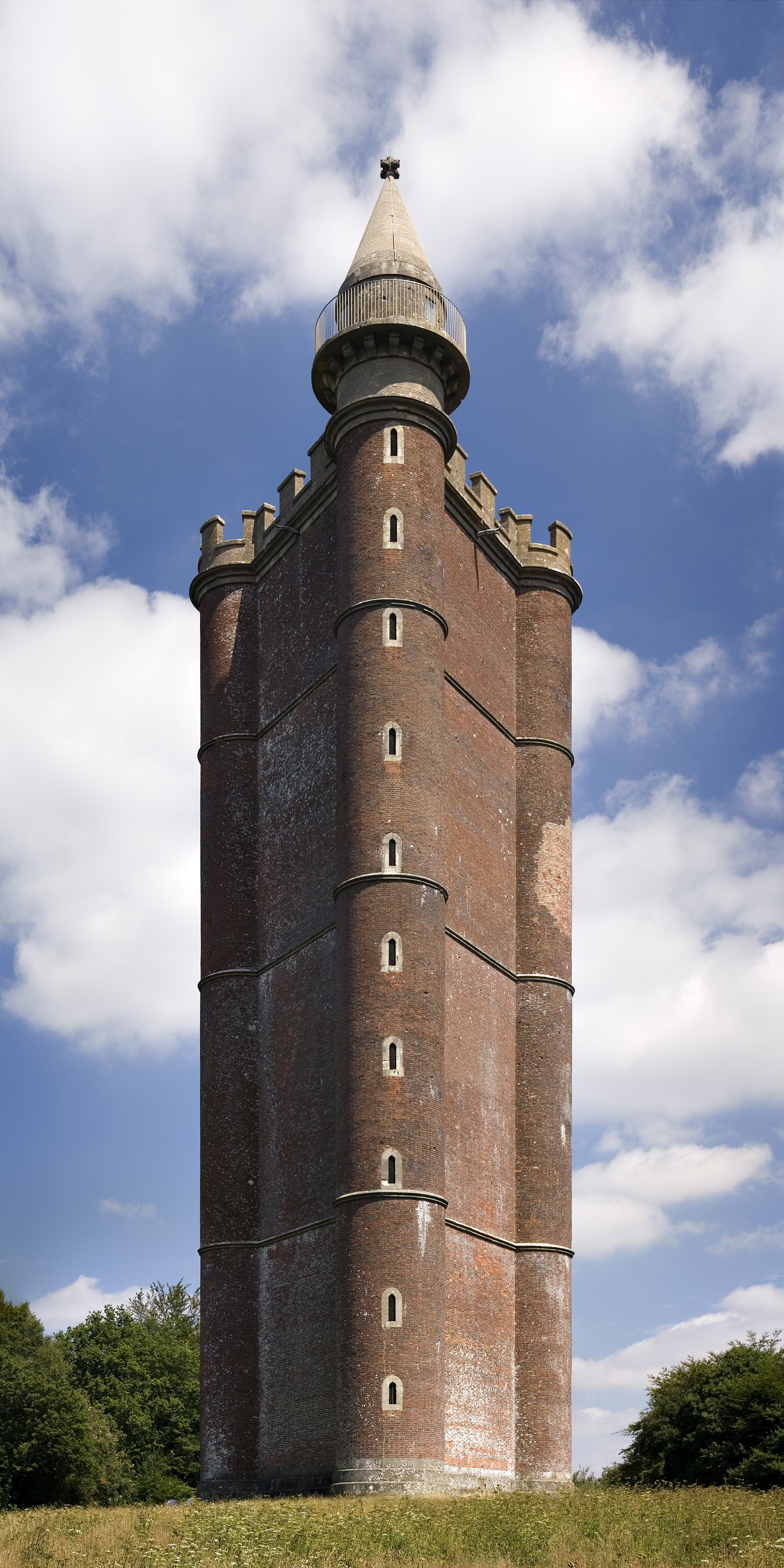 King_Alfred's_Tower_view_from_west