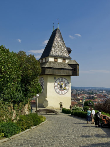 clock-tower-graz-a543