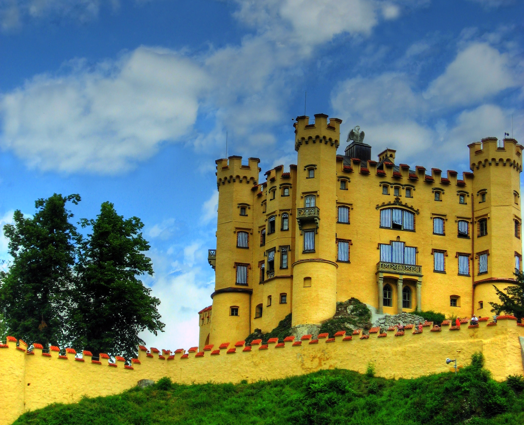 Hohenschwangau_Castle_in_Bavaria